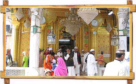 Devotee  at  Ajmer-E-Sharief Dargah